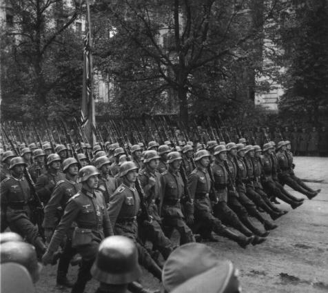 German troops parade through Warsaw 1939