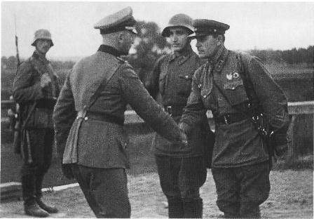 German and Soviet Officers congratulate eachother