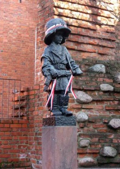 Monument to Child Soldier Warsaw Uprising