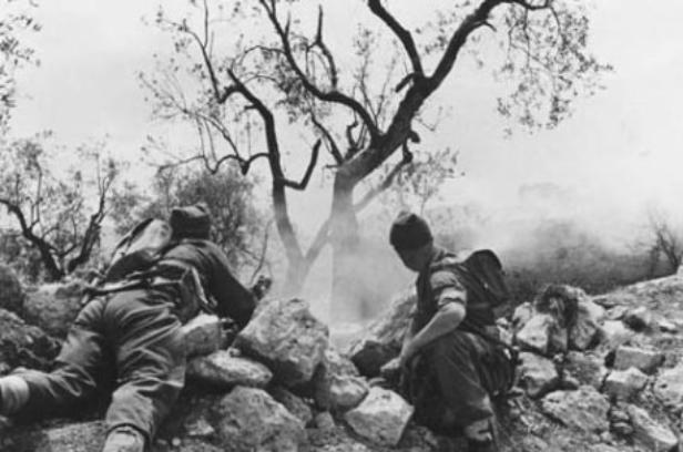 Polish soldiers in the midst of battle, Monte Cassino