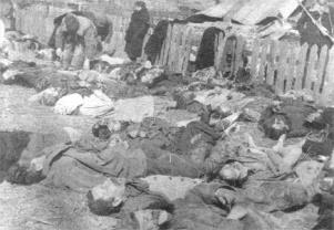 Polish civilians massacred by Ukranian army at Volhynia 1943