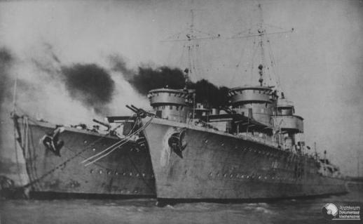 Polish Destroyers ORP Blyskawica and ORP Grom in English port